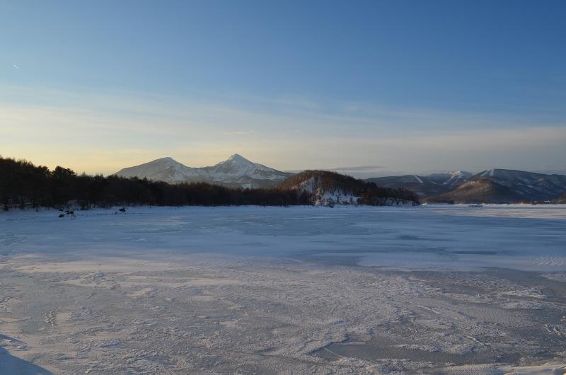 桧原湖の日の出1月8日